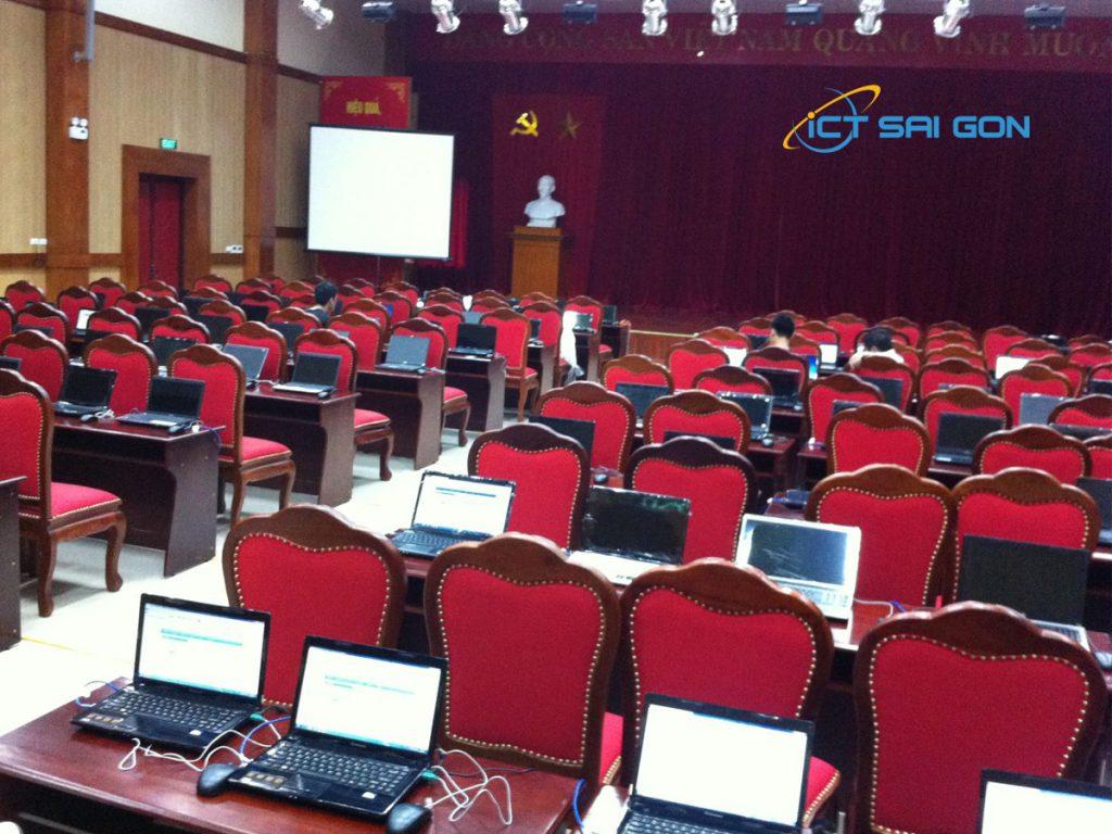 Thuê Laptop tổ chức event hội nghị tại TPHCM