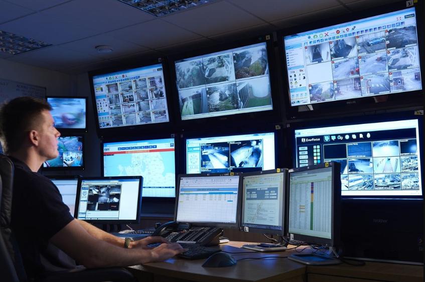 Lợi ích của việc lắp đặt camera Chúng cho phép giám sát từ xa